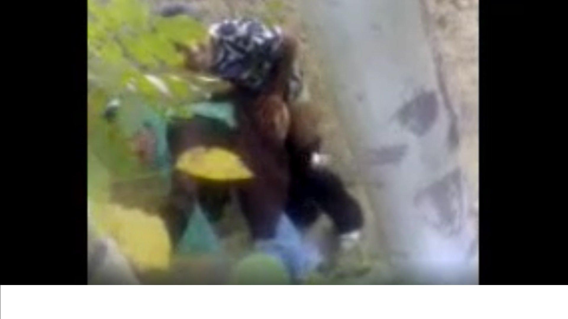 کوس گایی تو گوشه پارک - سایت سکسی قمبل   کلیپ سکسی برای دانلود و تماشا